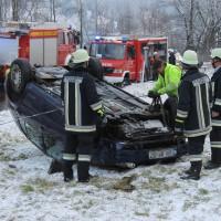 22-02-2014_oberallgaeu_immenstadt_unfall_ueberschlag-pkw_feuerwehr_liss_new-facts-eu20140222_0006