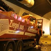 A96-Kohlbergtunnel - Vollsperrung wegen Lkw-Unfall im Tunnel
