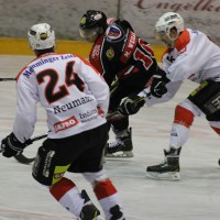 22-11-2013_eishockey_memmingen_indians_ecdc_buchloe-pirates_poeppel_new-facts-eu20131122_0035