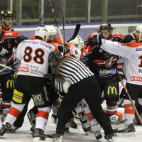 22-11-2013_eishockey_memmingen_indians_ecdc_buchloe-pirates_poeppel_new-facts-eu20131122_0086