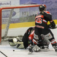 22-11-2013_eishockey_memmingen_indians_ecdc_buchloe-pirates_poeppel_new-facts-eu20131122_0101