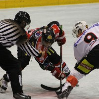 22-11-2013_eishockey_memmingen_indians_ecdc_buchloe-pirates_poeppel_new-facts-eu20131122_0103