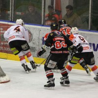 22-11-2013_eishockey_memmingen_indians_ecdc_buchloe-pirates_poeppel_new-facts-eu20131122_0152