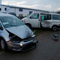 22-11-2013_neu-ulm_bellenberg_unfall_wis_new-facts-eu20131122_0001