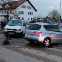 22-11-2013_neu-ulm_bellenberg_unfall_wis_new-facts-eu20131122_0006