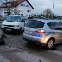 22-11-2013_neu-ulm_bellenberg_unfall_wis_new-facts-eu20131122_0008