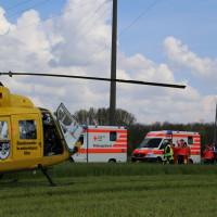 23-04-2014-biberach-kirchberg-hochspannungsleitung-unfall-arbeiter-feuerwehr-poeppel_new-facts-eu_0012