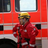 23-04-2014-biberach-kirchberg-hochspannungsleitung-unfall-arbeiter-feuerwehr-poeppel_new-facts-eu_0046