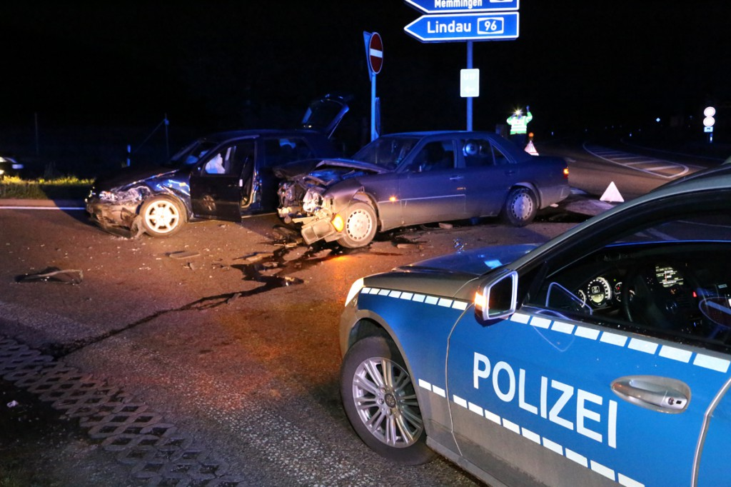 23-05-2014_a96_aichstetten_tankstelle_unfall_polizei_poeppel_new-facts-eu20140523_0004