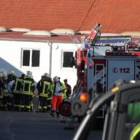 24-02-2014_unterallgaeu_tuerkheim_explosion_halle_feuerwehr_groll_new-facts-eu20140224_0013