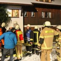25-01-2014_oberallgaeu_rettenberg_kaminbrand_dachstuhl_feuerwehr_liss_new-facts-eu20140126_0010