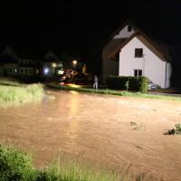 25-05-2014_biberach_ochsenhausen_Bach_ueberflutung_unweter_feuerwehr_poeppel_new-facts-eu_0002