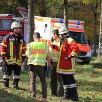 25-10-2013_unterallgau_woringen_unfall_lkw_pkw_schwerverletzt_feuerwehr-woringen_poeppel_new-facts-eu20131025_0015