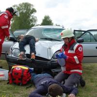 26-04-2014-memmingen-brk-bereitschaft-bayerisches-rotes-kreuz-uebung-verkehrsunfall-pressebilder-new-facts-eu_0055