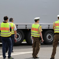 26-05-2014_b308-sigmarszell_lkw-gegen-wohnmobil-truemmerfeld_polizei_poeppel_new-facts-eu20140526_0009