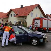 26-05-2014_ostallgaeu_uebung_unfall_feuerwehr_brk_notarzt_kaufbeuren_mauerstetten_bringezu_new-facts-eu_0028