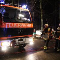 26-12-2013_memmingen_volkratshofen_ferthofen_pkw-baum_unfall_poeppel_new-facts-eu20131226_0005