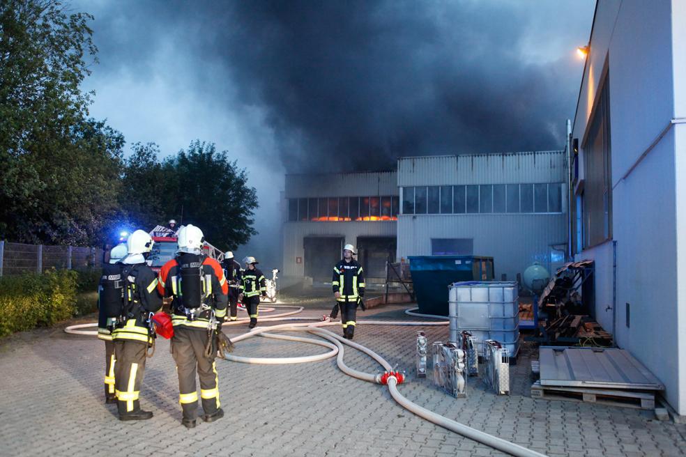 BaWü Ulm Großbrand Autozulieferbetrieb