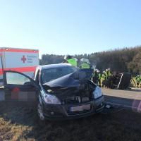 27-12-2013_unterallgau_turkheim_traktor_pkw_unfall_feuerwehr_poeppel_new-facts-eu20131227_0013
