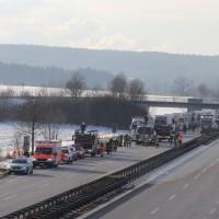 28-01-2014_bab-a96_mindelheim_unfall_pkw-lkw_feuerwehr_liss_new-facts-eu20140128_0052