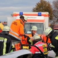 B300-Boos - Frontalzusammenstoß, zwei Schwerverletzte, ein Mittelschwer - Bussard ausgewichen