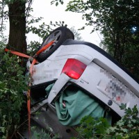 29-05-2014_a7_illertissen_voehringen_rudelsberger-forst_unfall_mutter_kind_feuerwehr_wis_new-facts-eu_0007