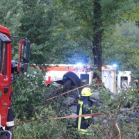 29-05-2014_a7_illertissen_voehringen_rudelsberger-forst_unfall_mutter_kind_feuerwehr_wis_new-facts-eu_0011