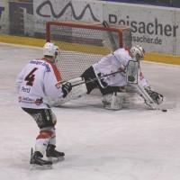 29-11-2013_ecdc-memmingen_eishockey_indians_ehc-waldkraigburg_bel_fuchs_new-facts-eu20131129_0023