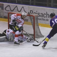 29-11-2013_ecdc-memmingen_eishockey_indians_ehc-waldkraigburg_bel_fuchs_new-facts-eu20131129_0026