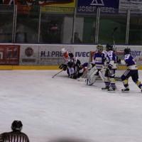 29-11-2013_ecdc-memmingen_eishockey_indians_ehc-waldkraigburg_bel_fuchs_new-facts-eu20131129_0032