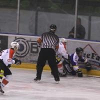 29-11-2013_ecdc-memmingen_eishockey_indians_ehc-waldkraigburg_bel_fuchs_new-facts-eu20131129_0051