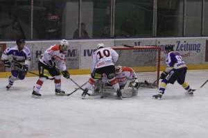 29-11-2013_ecdc-memmingen_eishockey_indians_ehc-waldkraigburg_bel_fuchs_new-facts-eu20131129_0056