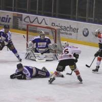 29-11-2013_ecdc-memmingen_eishockey_indians_ehc-waldkraigburg_bel_fuchs_new-facts-eu20131129_0064