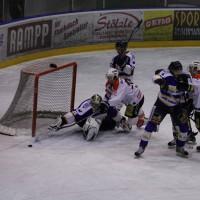 29-11-2013_ecdc-memmingen_eishockey_indians_ehc-waldkraigburg_bel_fuchs_new-facts-eu20131129_0086