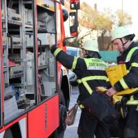 30-11-2013_memmingen_undichter-oltank_olunfall_feuerwehr_poeppel_new-facts-eu20131130_0003