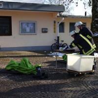 30-11-2013_ostallgau_kaufbeuren_katastrophenschutzteilubung_eisstadion_ammoniak_bringezu_new-facts-eu20131130_0042
