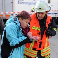 30-11-2013_ostallgau_kaufbeuren_katastrophenschutzteilubung_eisstadion_ammoniak_bringezu_new-facts-eu20131130_0047