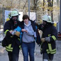 30-11-2013_ostallgau_kaufbeuren_katastrophenschutzteilubung_eisstadion_ammoniak_bringezu_new-facts-eu20131130_0048
