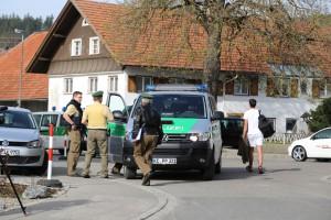 31-03-2014_oberallgaeu_haldenwang_bankueberfall_fahndung_spurensicherung_polizei_poeppel_groll_new-facts-eu20140331_0016