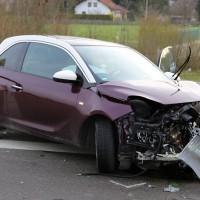 31-03-2014_unterallgaeu_kirchheim_unfall_wanzl-kreuzung_schwerverletzte_feuerwehr_poeppel_new-facts-eu20140331_0008