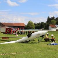 31-05-2014_wiggensbach_wagenbuehl_absturz_segelflugzeug_schwerverletzt_feuerwehr_polizei_poeppel_new-facts-eu_011