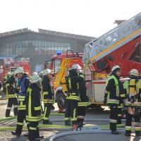 31-12-2013_unterallgau_erkheim_Industriebrand_Schreinerei_silo_feuerwehr_poeppel_new-facts-eu20131231_0102