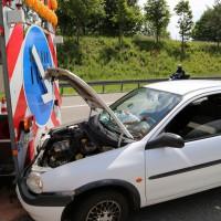 02-06-2014-a7-memmingen-unfall-pkw-sicherungsanhaenger-verletzte-feuerwehr-new-facts-eu_0009
