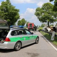 03-06-2014_b12-germaringen-pkw-transporter-unfall-baum-feuerwehr-bringezu_new-facts-eu_027