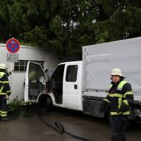 04-06-2014-memmingen-brand-baufahrzeug-transorter-feuerwehr-poeppel-new-facts-eu20140604_0008