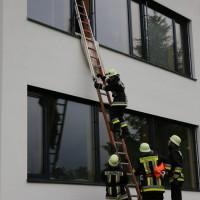 04-06-2014-ostallgaeu-unterthingau-uebung-schule-brand-feuerwehr-bringezu-new-facts-eu20140604_0016