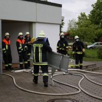 04-06-2014-ostallgaeu-unterthingau-uebung-schule-brand-feuerwehr-bringezu-new-facts-eu20140604_0038