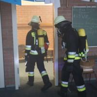 04-06-2014-ostallgaeu-unterthingau-uebung-schule-brand-feuerwehr-bringezu-new-facts-eu20140604_0059