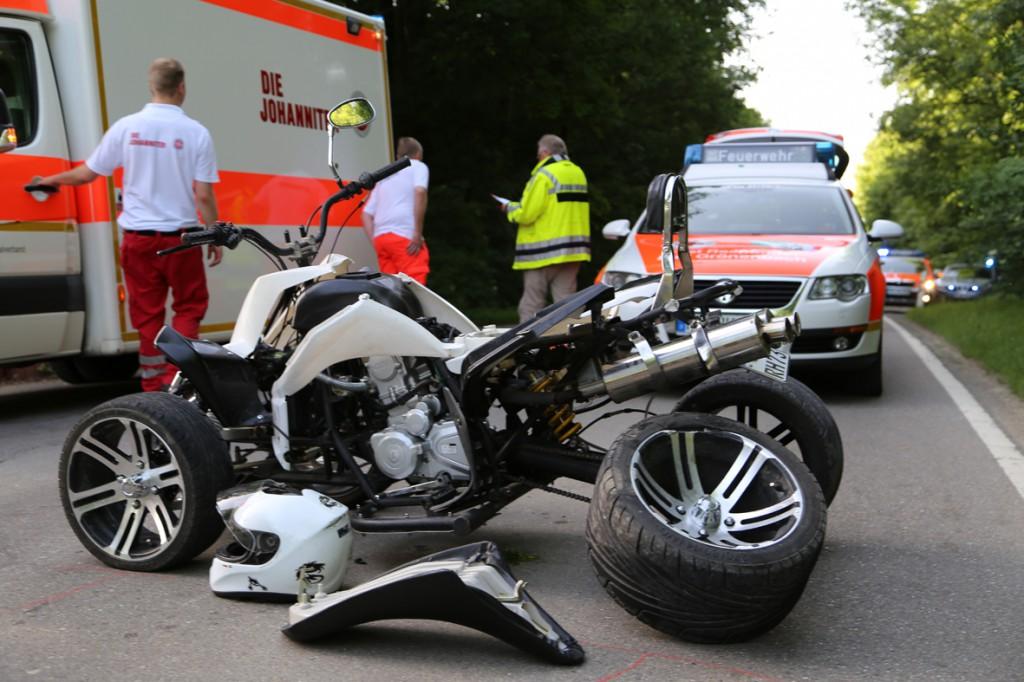 08-06-2014-unterallgaeu-groenenbach-ittelsburg-niederholz-unfall-quad-pkw-poeppel-new-facts-eu20140608_0006