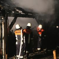 08-06-2014-unterallgaeu-mattsies-brand-schuppen-holzlager-stadel-feuerwehr-polizei-poeppel-new-facts-eu20140608_0014